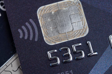 The best reasons to use credit cards and times when to avoid it.