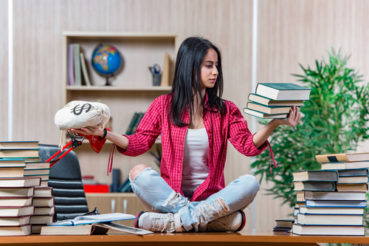 SelectQuote helps you understand student loan payment options